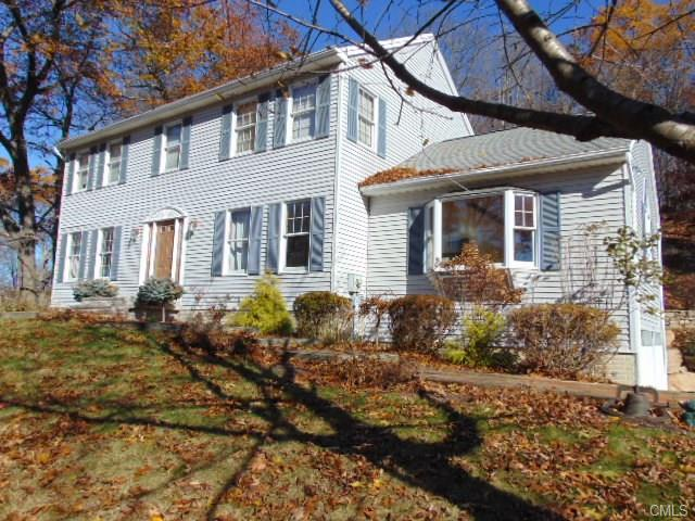 25 Junction Rd, Brookfield, CT 06804