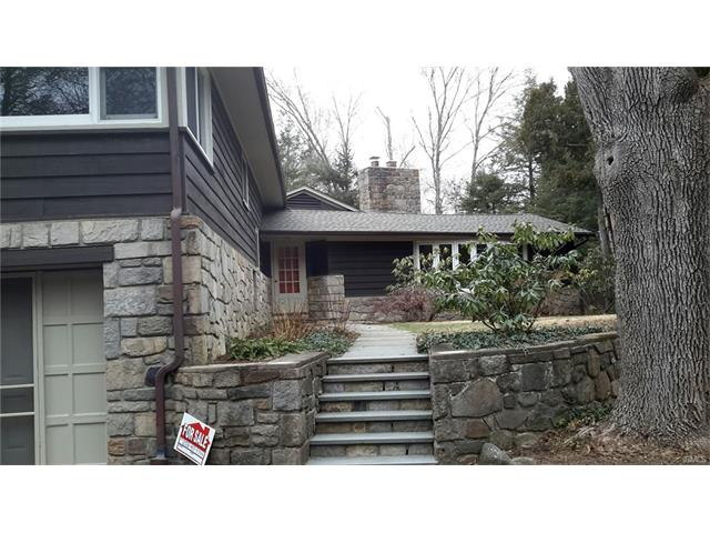 39 Turkey Plain Rd, Bethel, CT 06801