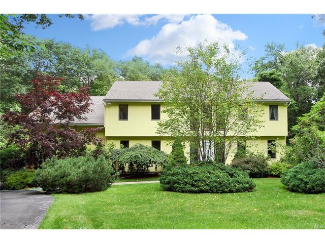Photo of 1 Pepperbush Road  Weston  CT