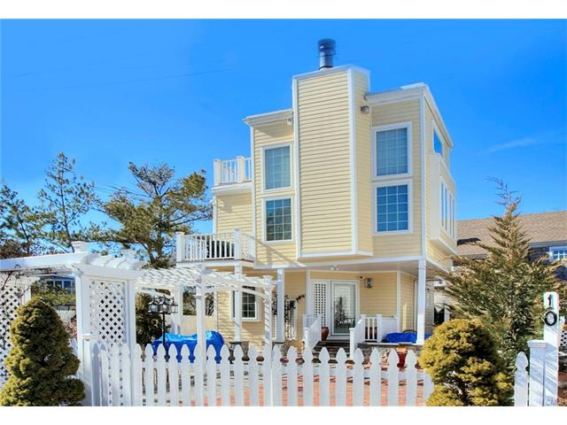 Photo of 10 Rowland Place  Westport  CT