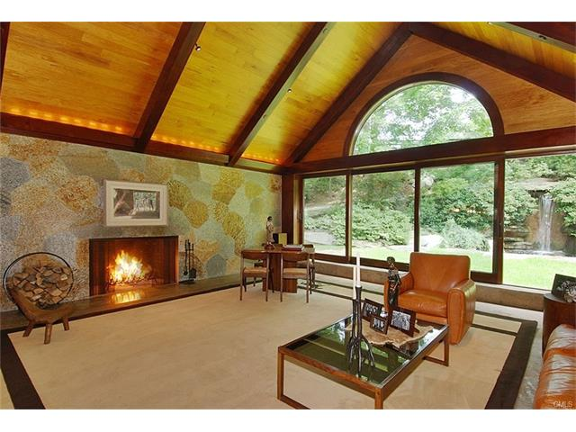 Photo 16 of 144 Huckleberry Hill Road Wilton CT