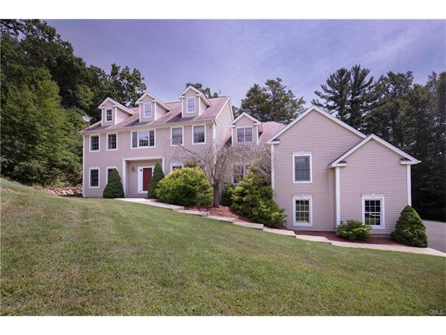 Photo of 14 Little Fox Lane  Southbury  CT