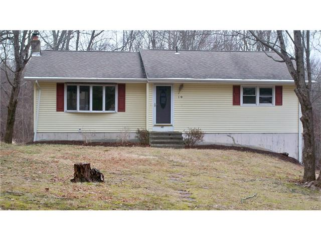 Photo of 10 Pebble Road  Newtown  CT