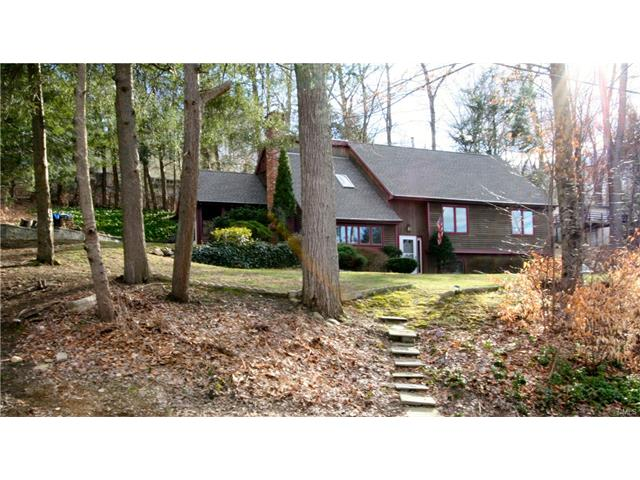 Photo of 60 Engleside Terrace  Newtown  CT