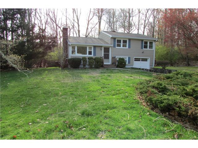 Photo of 101 Tanglewood Road  Trumbull  CT