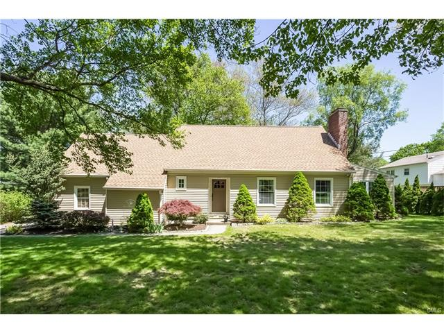 Photo of 98 Curtis Road  Middlebury  CT