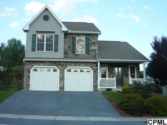 131 Lakeside Dr, Lewisberry, PA 17339