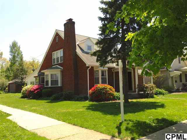 204 Maple Ave, Hershey, PA 17033