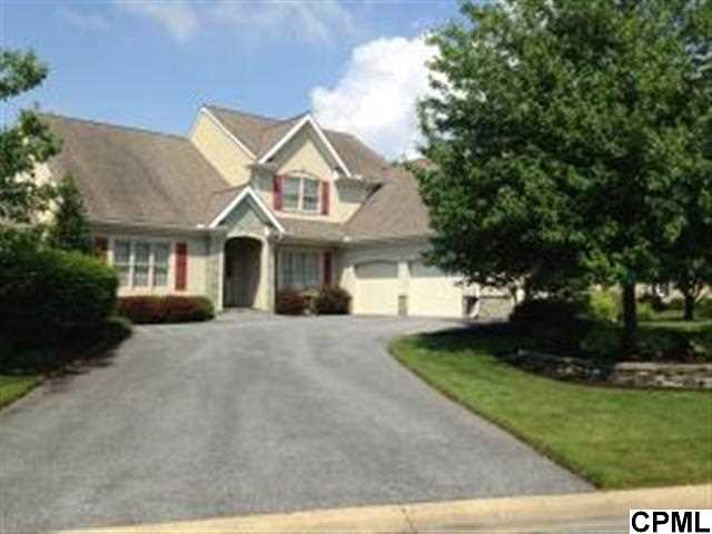 810 Woodfield Dr, Lititz, PA 17543
