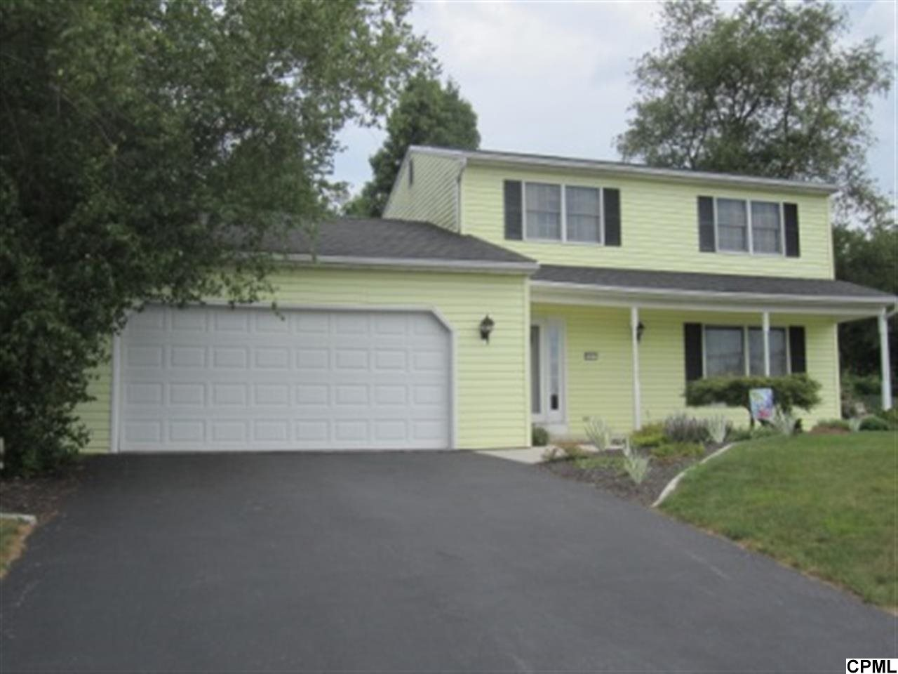 2417 Clover Dr, Mechanicsburg, PA 17055