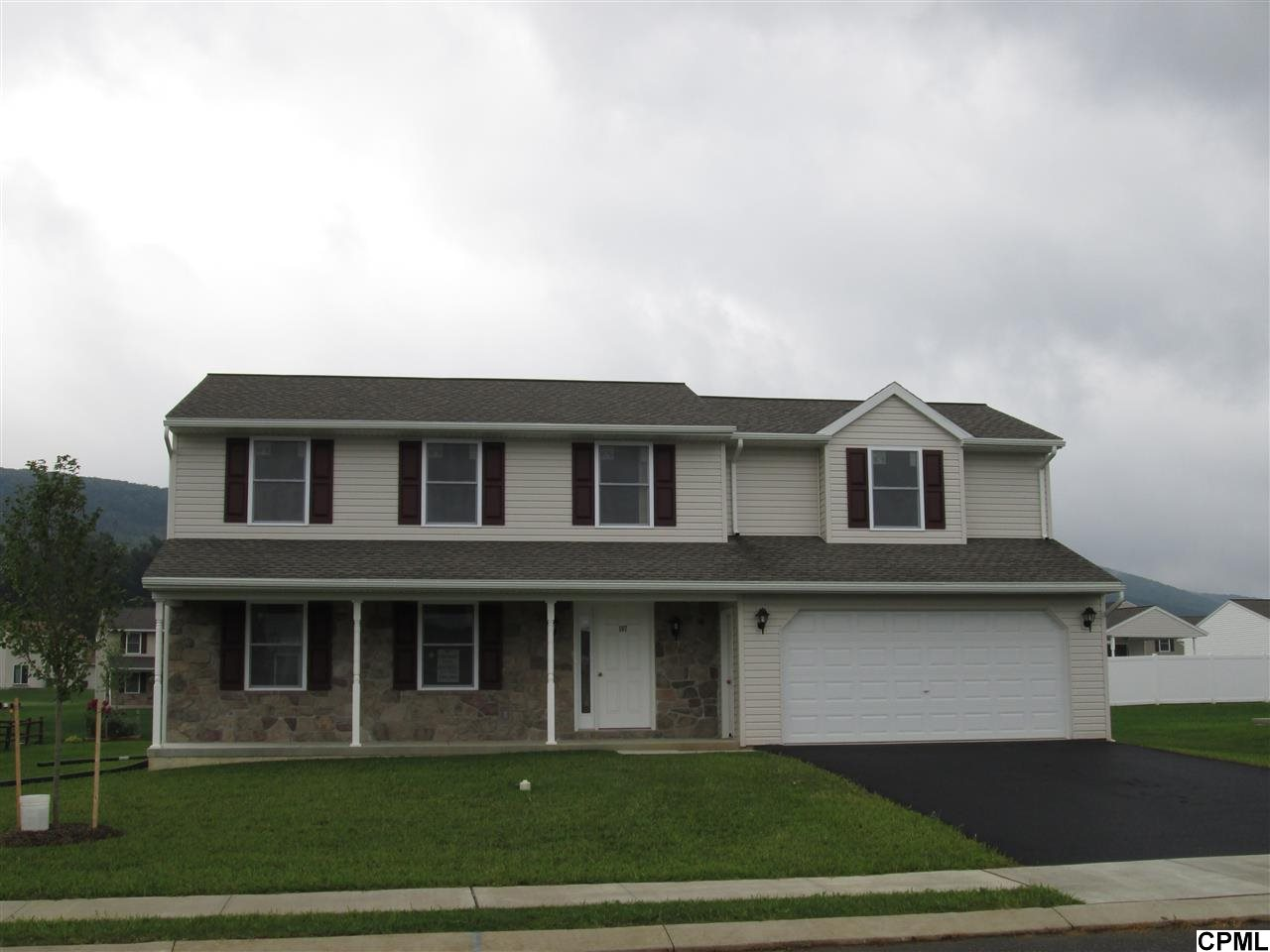 107 Edgemont Ln, Newmanstown, PA 17073