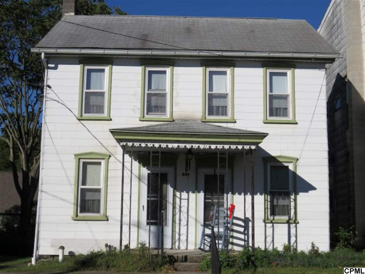 832 Lawn Rd, Lawn, PA 17041