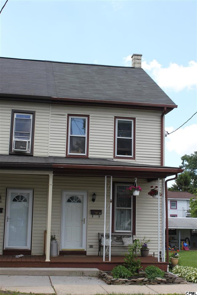 27 N Washington St, Cleona, PA 17042