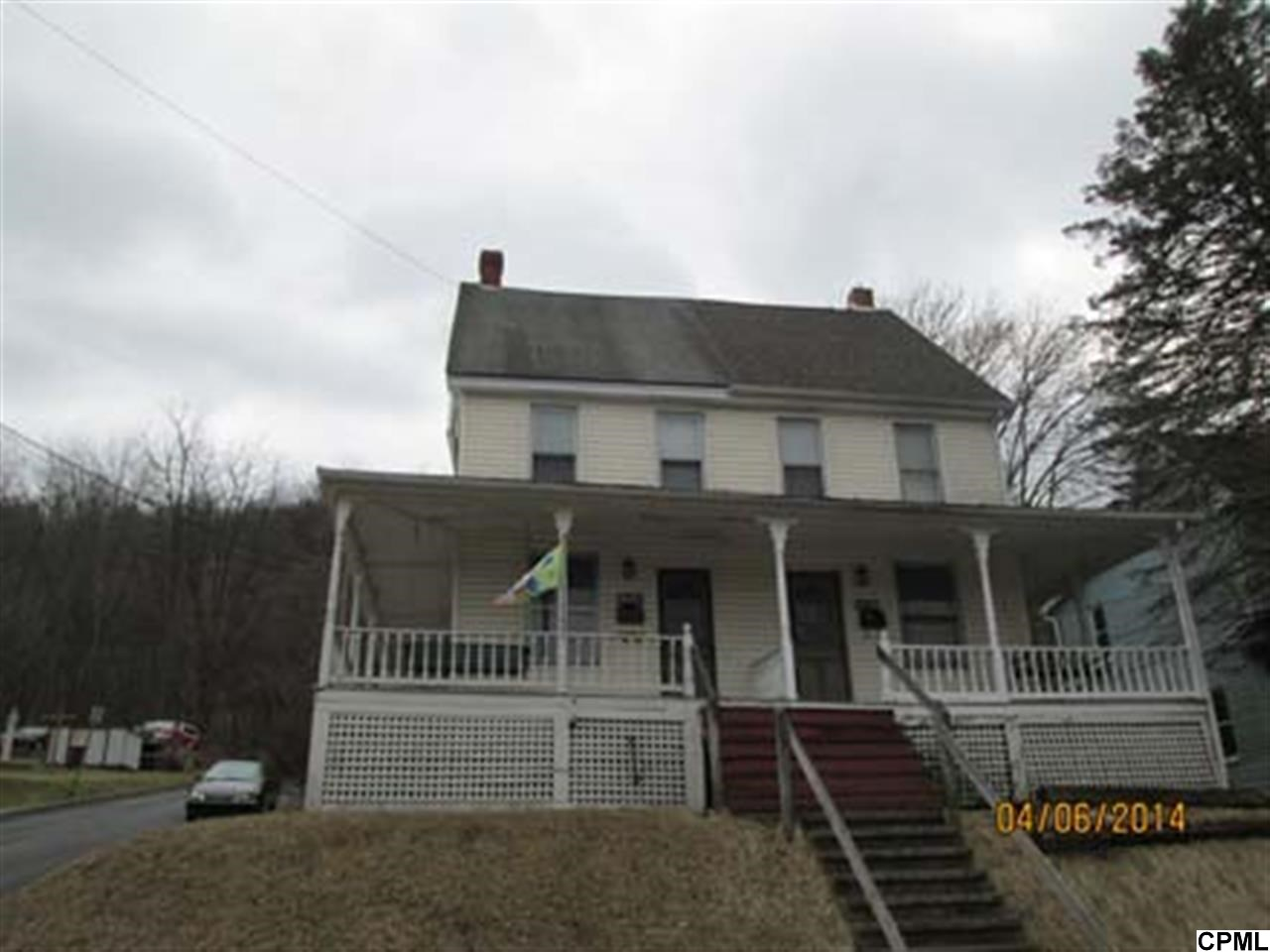 732 E Freedom Ave, Burnham, PA 17009