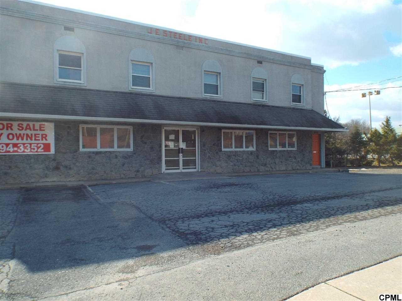 1242 W 4th St, Lewistown, PA 17044