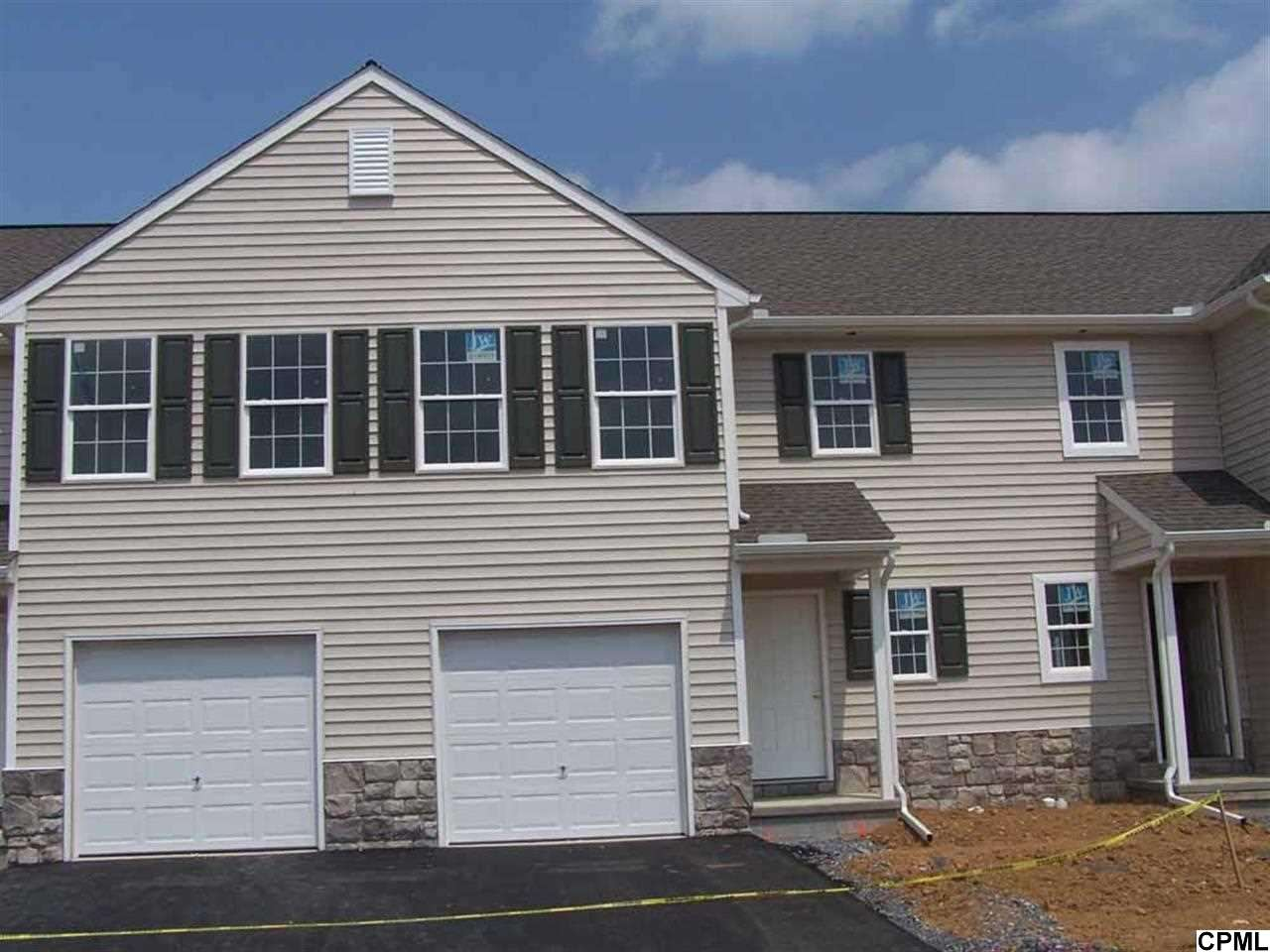 168 N Village Cir, Palmyra, PA 17078