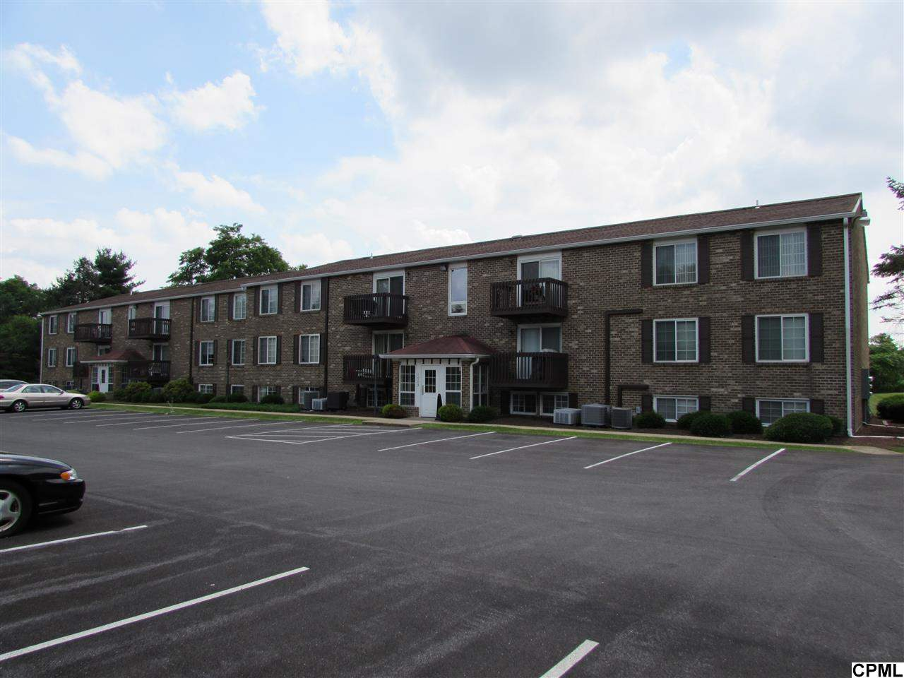 Rental Homes for Rent, ListingId:28779900, location: 1003 Nanroc Drive Mechanicsburg 17055