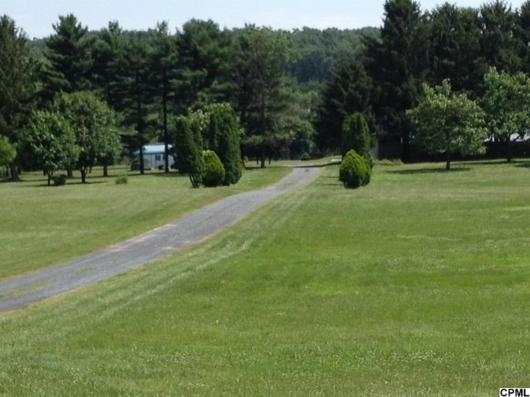1165 Pine Grove Rd, Fredericksburg, PA 17026