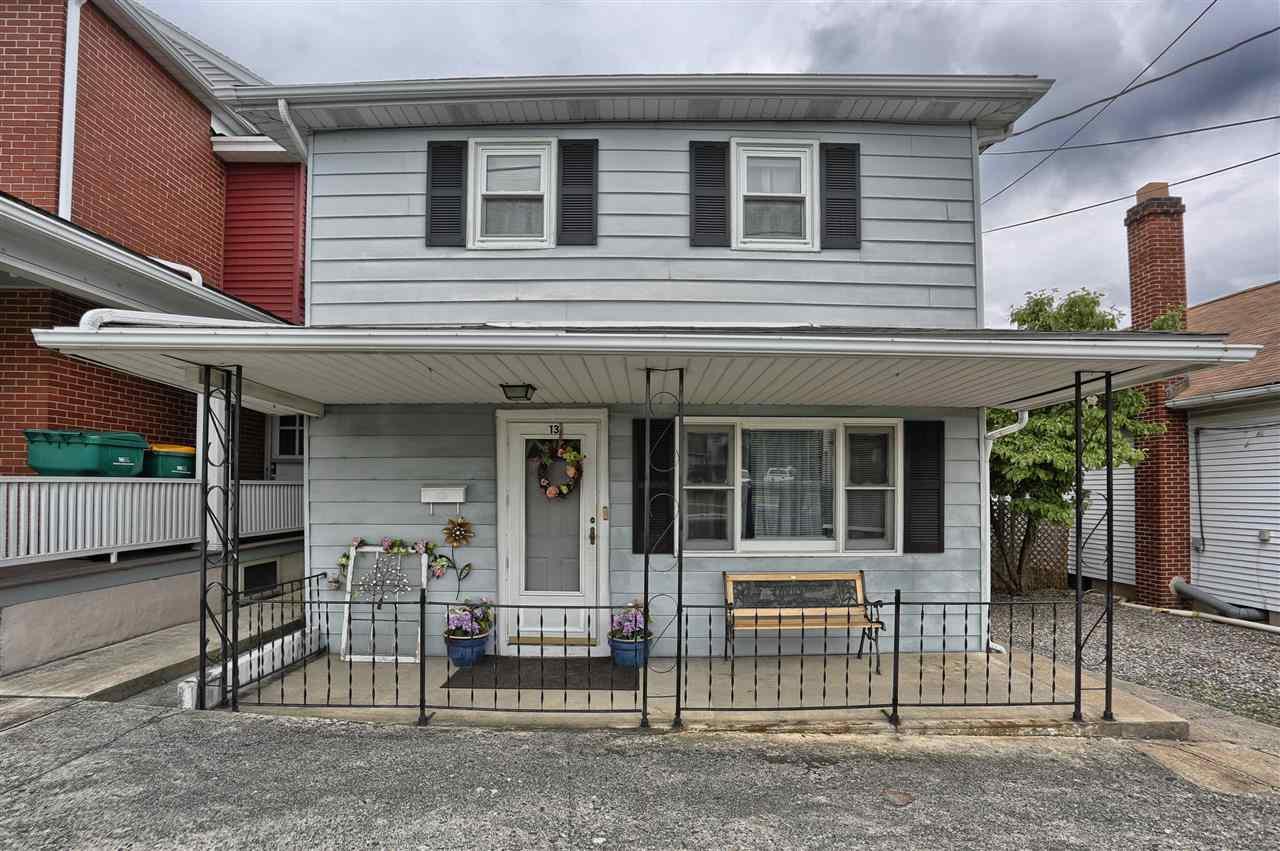 13 Duke St, Hershey, PA 17033