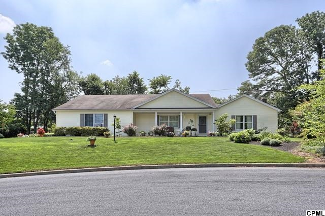 53 Old Farm Rd, Camp Hill, PA 17011