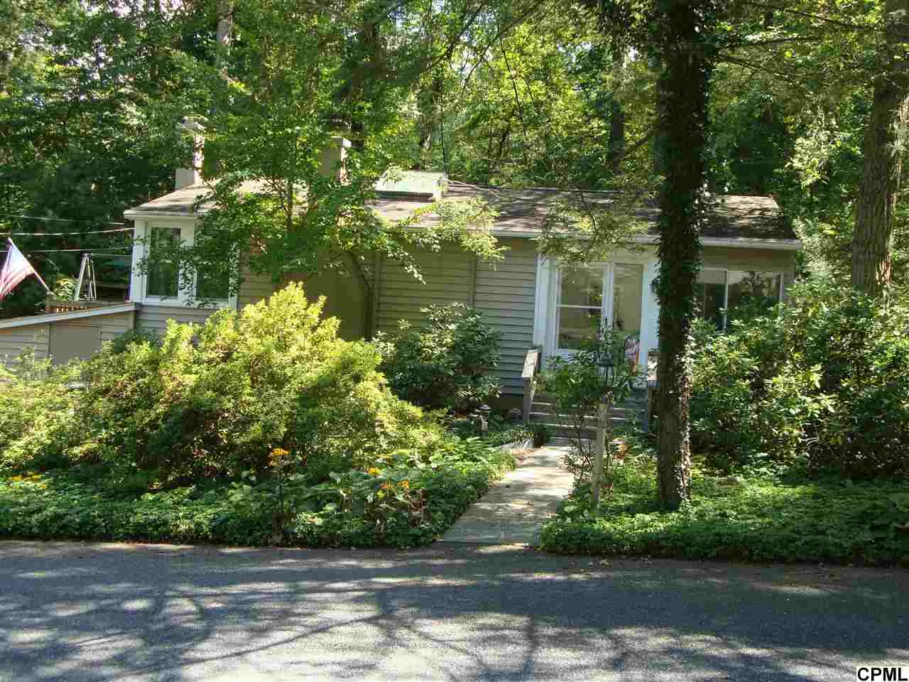 110 Lancaster Ave, Mount Gretna, PA 17064