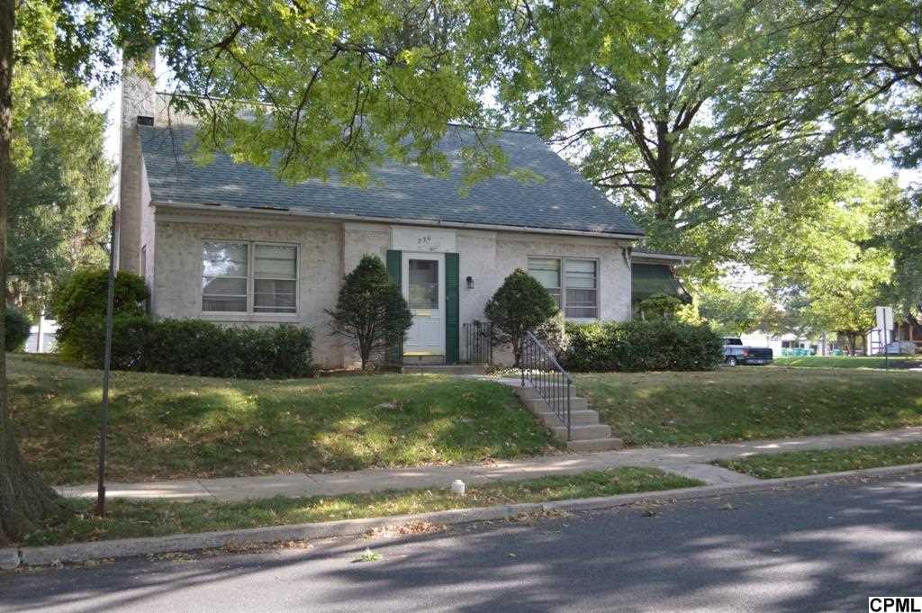 236 W Areba Ave, Hershey, PA 17033