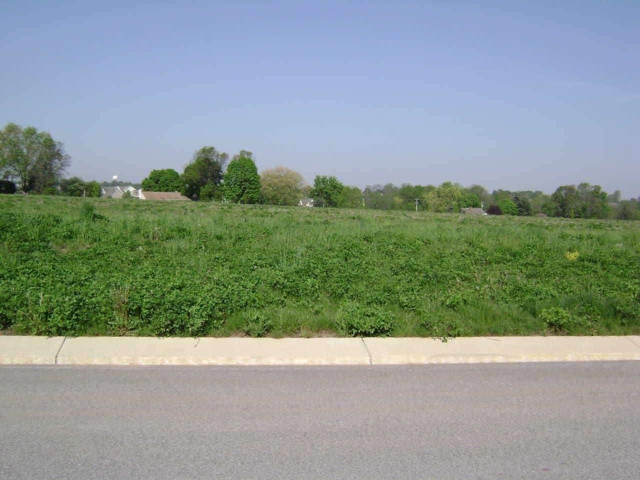 2712 Farnham Ln, York, PA 17408