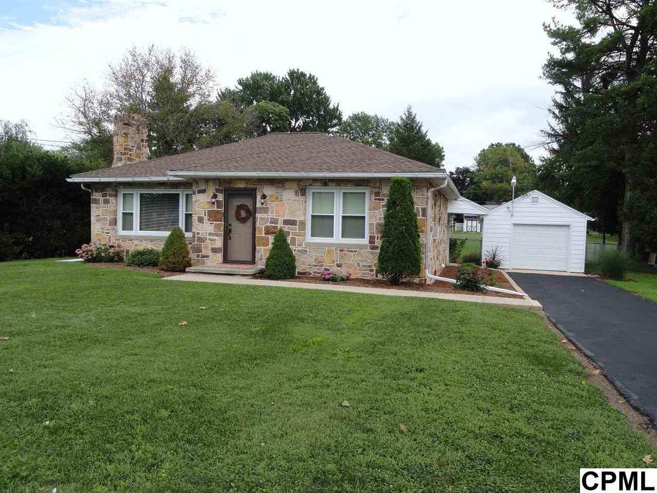 1736 Wilson Ave, Chambersburg, PA 17201