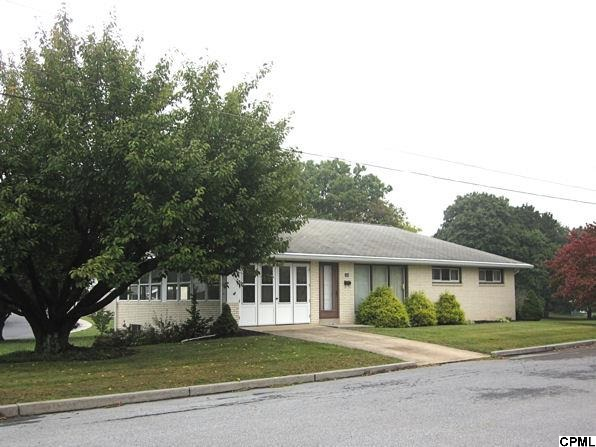 703 E Queen St, Annville, PA 17003