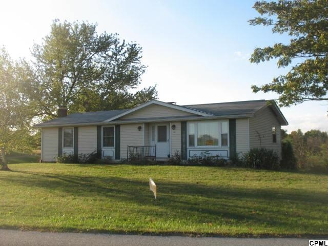 22 W Strack Dr, Myerstown, PA 17067