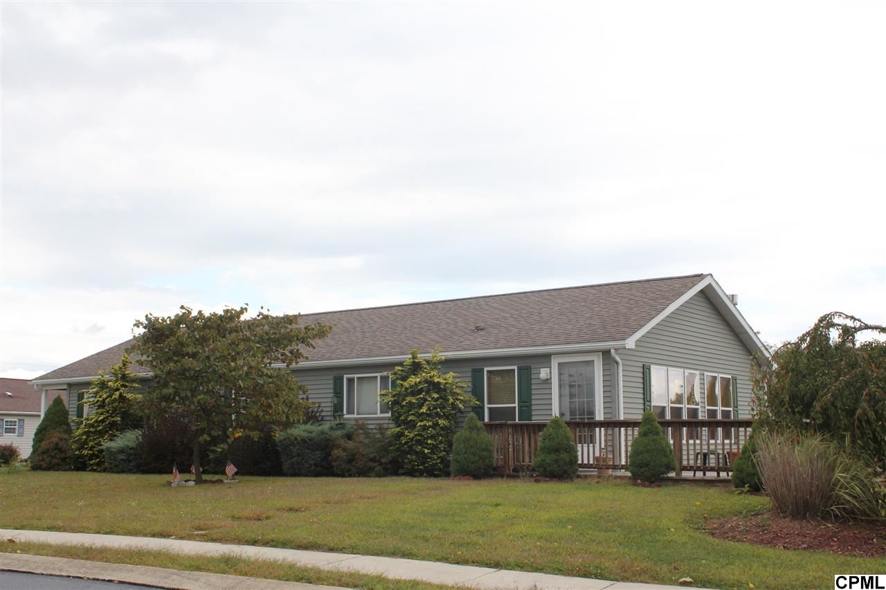 1 Susan Ave, Myerstown, PA 17067