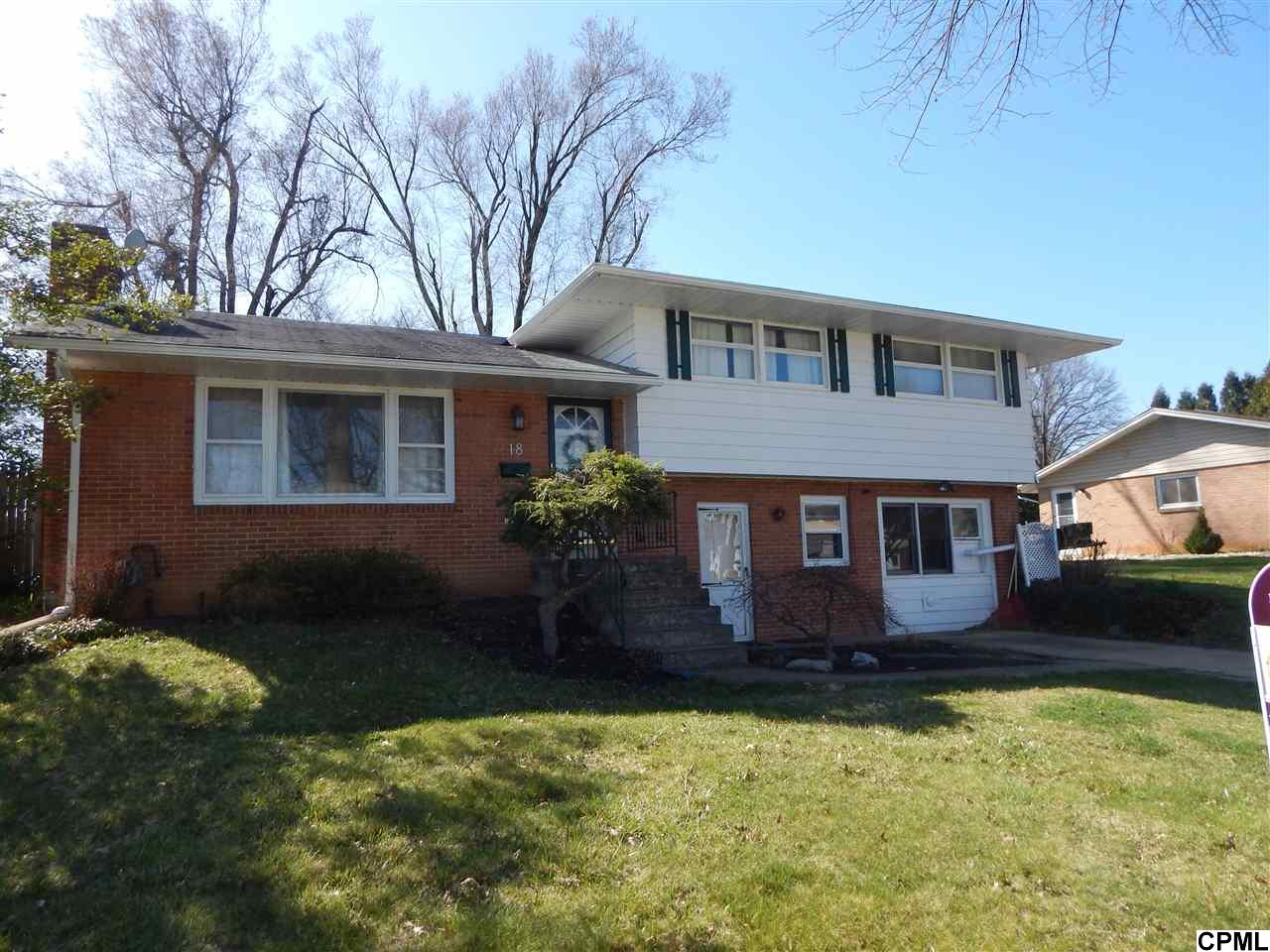 18 Grinnel Dr, Camp Hill, PA 17011