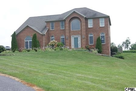 2612 Grand Point Rd, Chambersburg, PA 17202