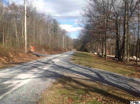 25 Woodview Rd, Biglerville, PA 17307