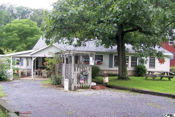 115 Hemlock Dr, Fredericksburg, PA 17026