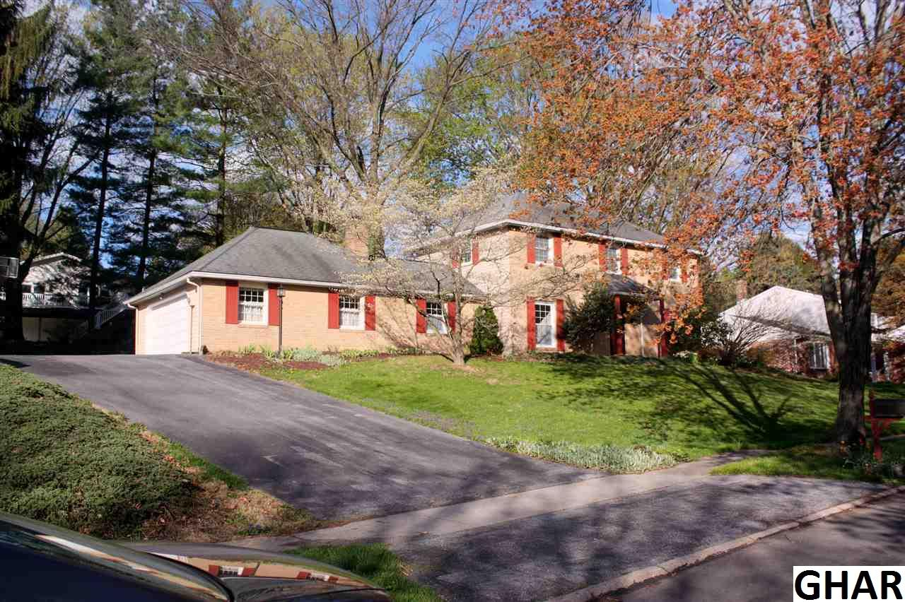 323 Lamp Post Ln, Camp Hill, PA 17011