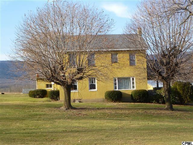 1201/1203 Roxbury Rd, Newburg, PA 17240
