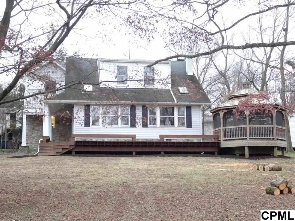 17 Stone Spring Ln, Camp Hill, PA 17011