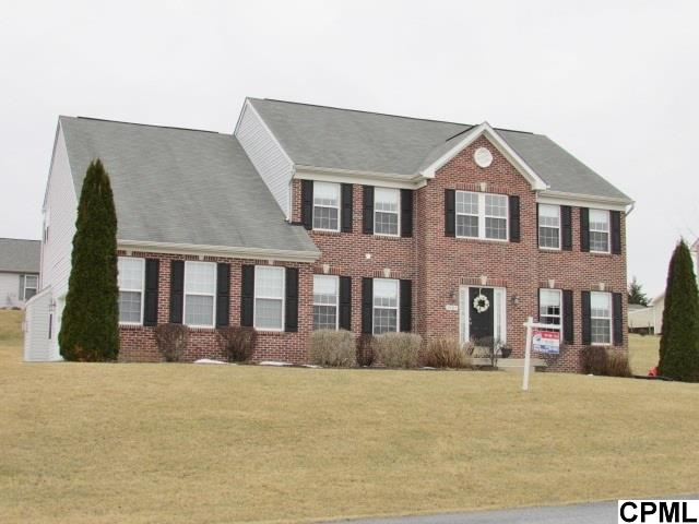 2487 Orion Dr, Chambersburg, PA 17202