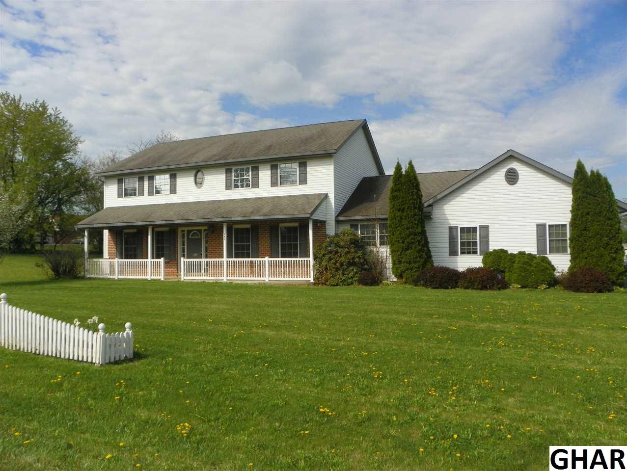 245 Rose Ln, Jonestown, PA 17038