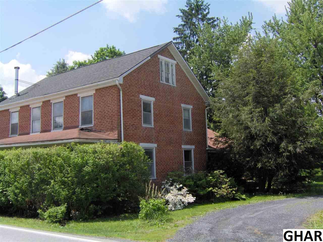 18 S York Rd, Dillsburg, PA 17019
