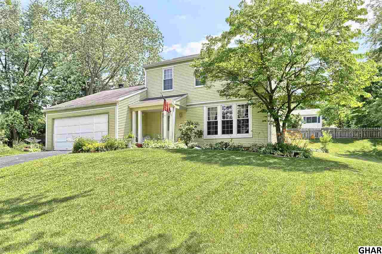 4 Oakwood Ct, Camp Hill, PA 17011