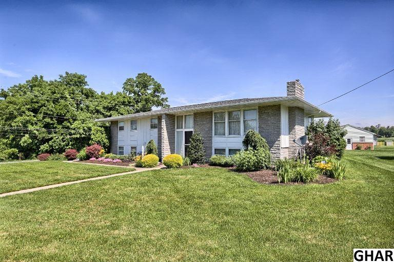 219 W Mckinley Ave, Myerstown, PA 17067