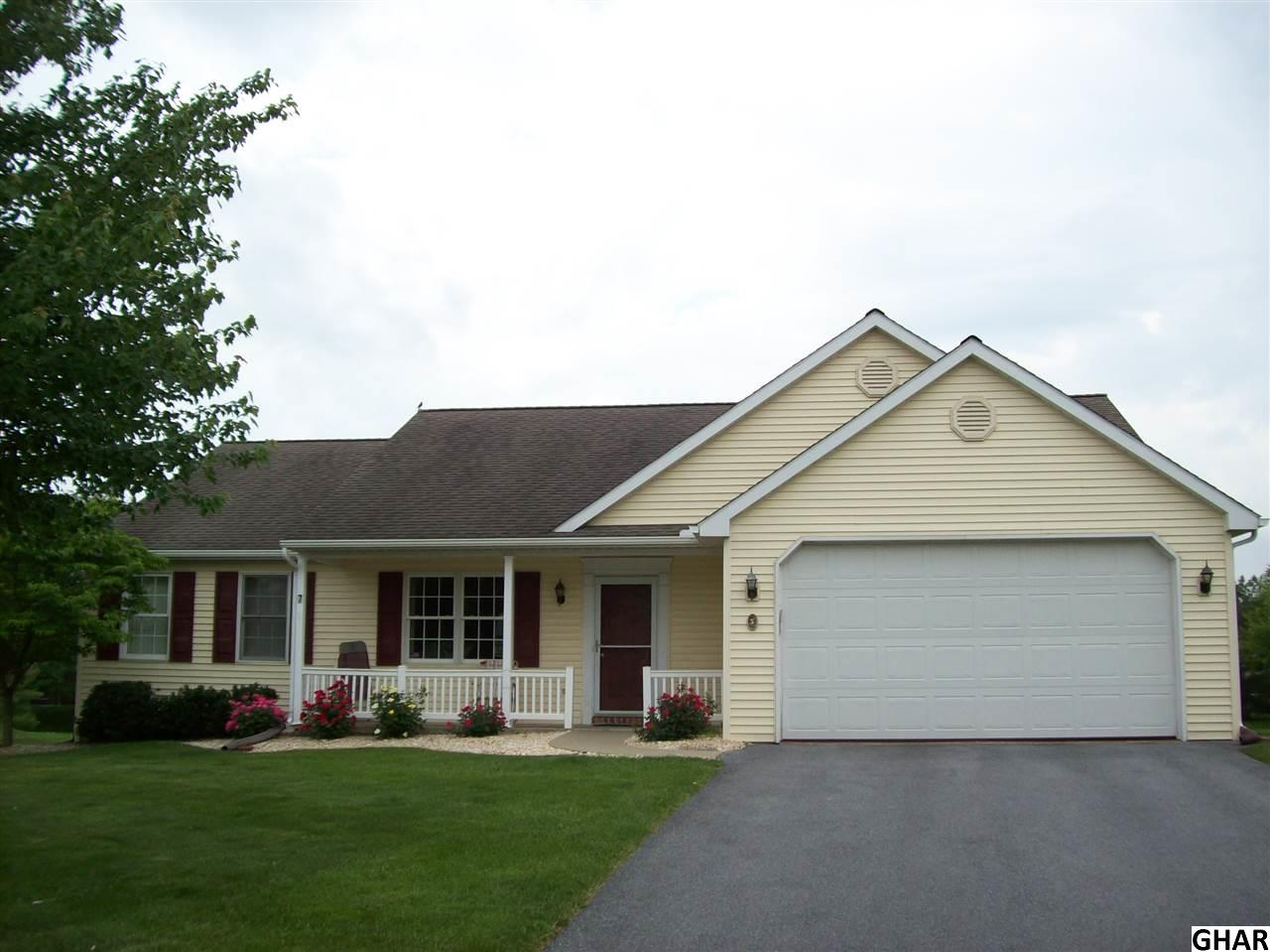 7 Springhouse Dr, Myerstown, PA 17067