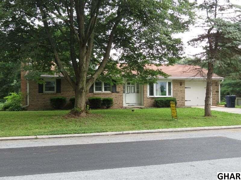 11 Peach St, Annville, PA 17003