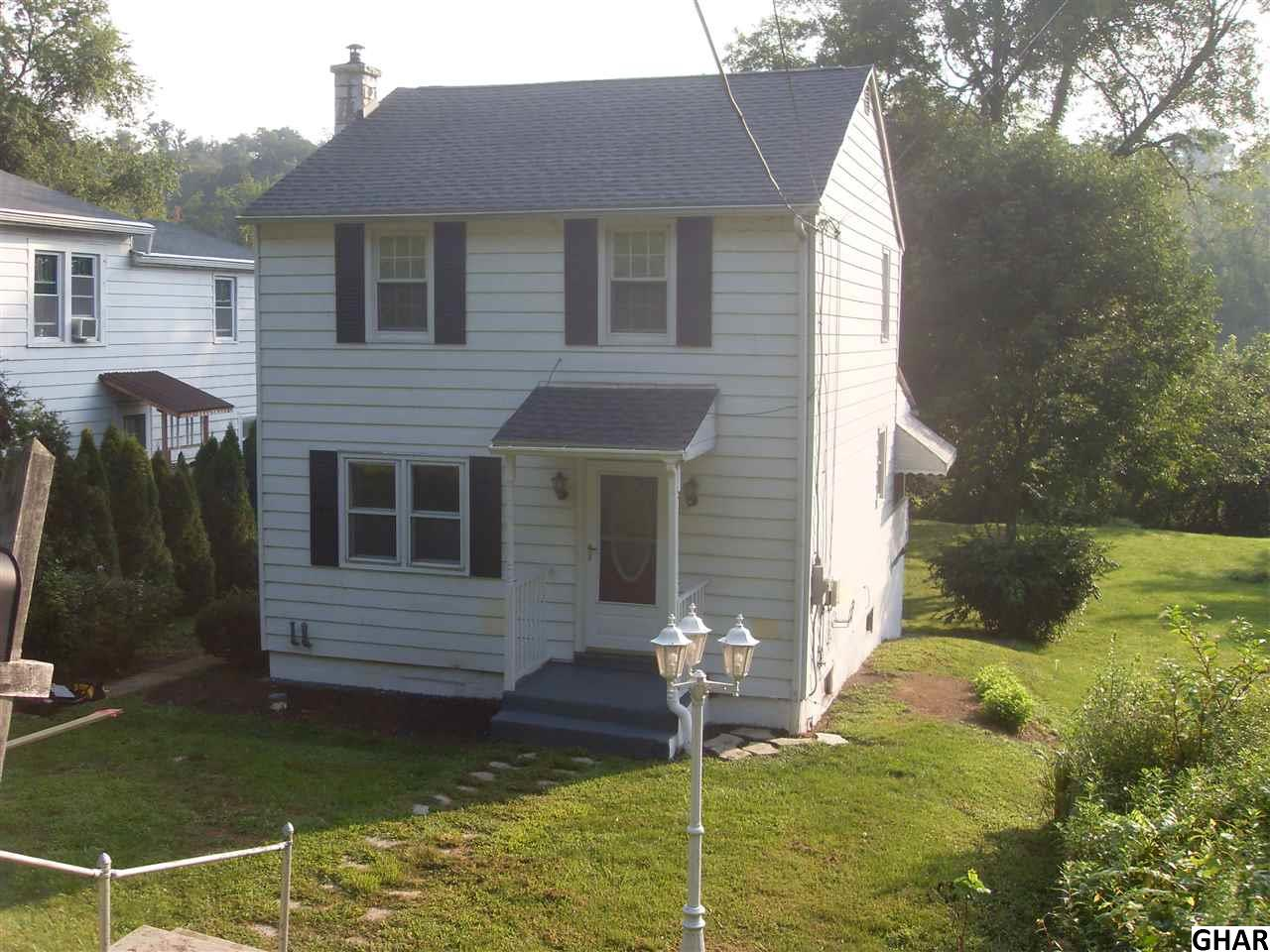 1039 Oyster Mill Rd, Camp Hill, PA 17011