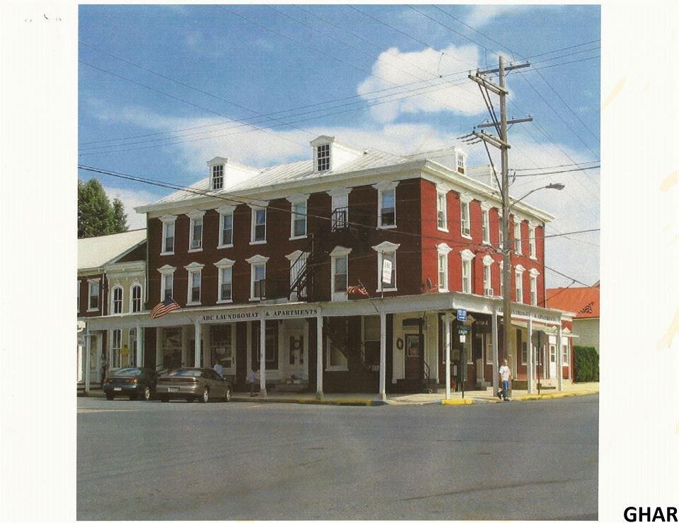 6 S Lancaster St, Jonestown, PA 17038