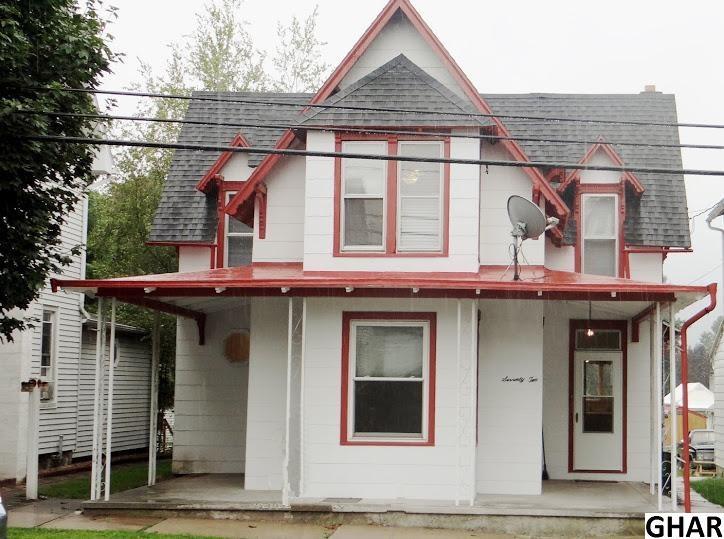 72 E Main St, Newmanstown, PA 17073
