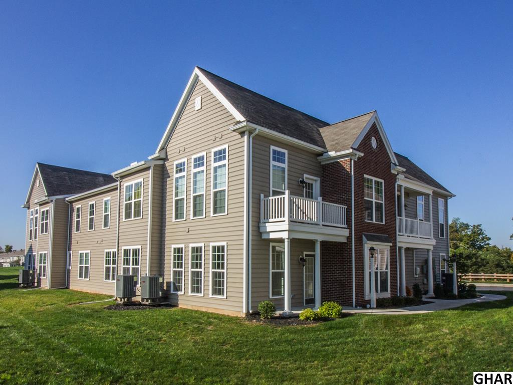 740 Whitetail Dr, Hummelstown, PA 17036
