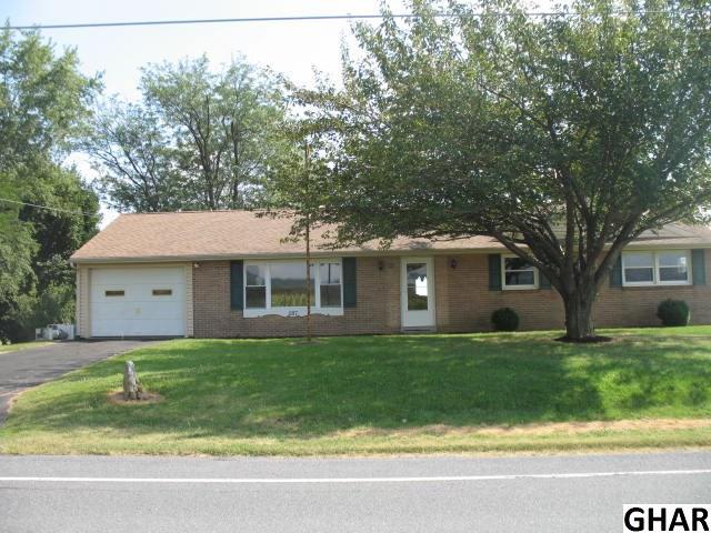 287 W Main St, Fredericksburg, PA 17026